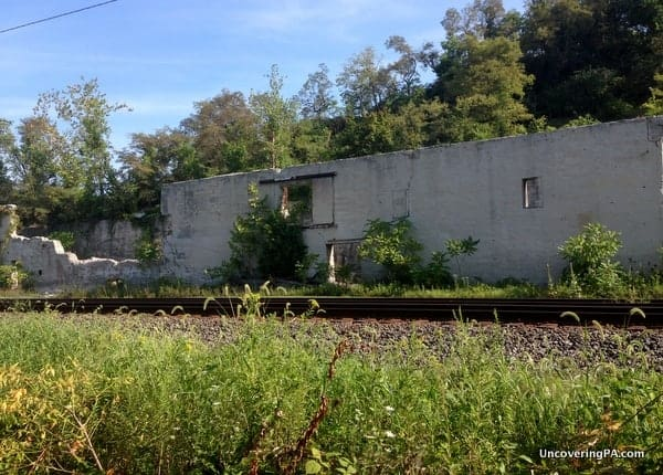 The ruins of the old limestone factory sit across the train tracks from the trail to the White Cliffs of Conoy.