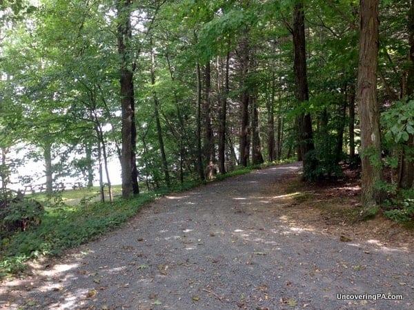 The Fishermans Trail along Holman Lake.