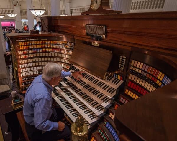 Wanamaker Organ concerts in Philadelphia, Pennsylvania