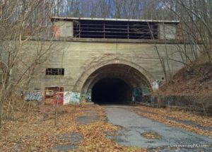 How to get to the abandoned Pennsylvania Turnpike - Rays Hill Tunnel