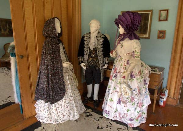 Reproduction French Clothing at French Azilum