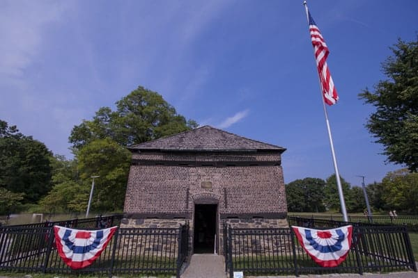 Pittsburgh Facts: Fort Pitt Blockhouse is the oldest building in the area