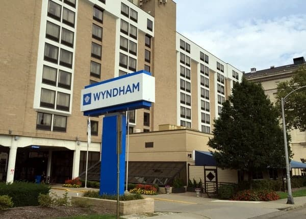 Hotel Review: Wyndham University Center in Pittsburgh, Pennsylvania