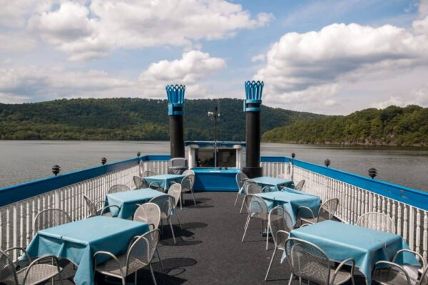 Cruising Raystown Lake on the Proud Mary Showboat.