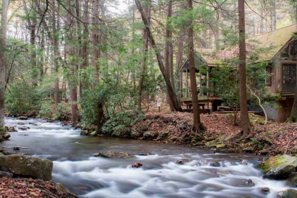 Hiking Flat Rock Trail Linn Run State Park
