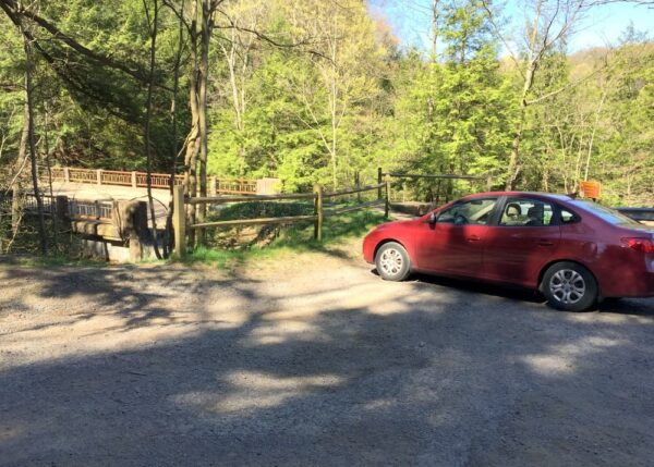 Parking for Breakneck Falls in Lawrence County, PA