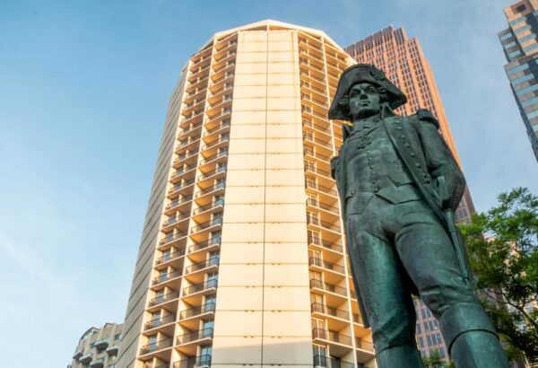 Embassy Suites Hotel in Philadelphia Center City