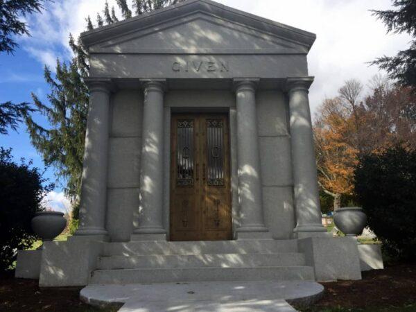 Mister Rogers Grave in Latrobe, Pennsylvania