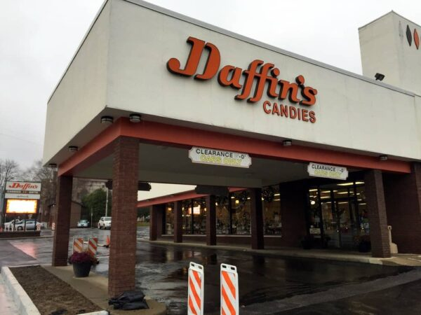 Exterior of Daffin's Candies in Sharon, Pennsylvania