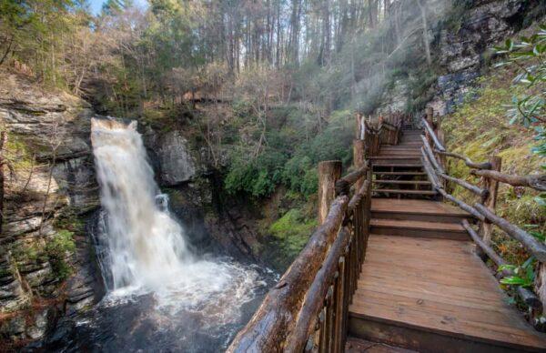 Is it worth visiting Bushkill Falls in the Poconos