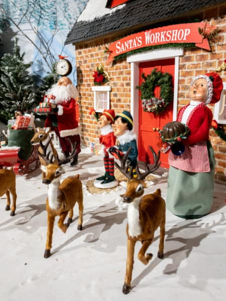 Byers Carolers diorama in Chalfont Pennsylvania
