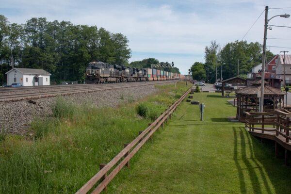 A train travels through Cresson, PA.