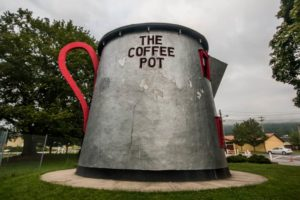 Visiting the Giant Bedford Coffee Pot Along the Lincoln Highway