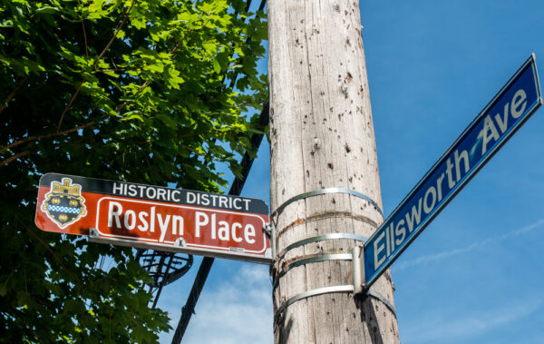 Roslyn Place Street sign
