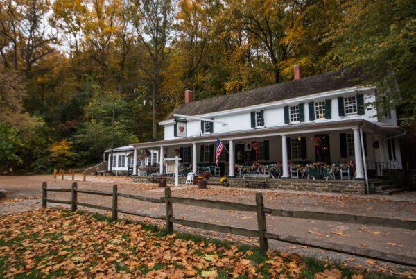 Where to see Fall Foliage in Philadelphia, Pennsylvania