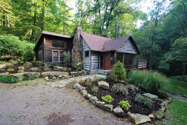 Rustic luxury cabin near Ohiopyle PA