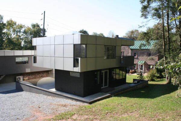 The Cube Modern Airbnb