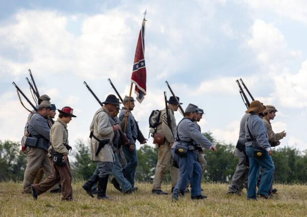 Confederate reenactors at the Gettysburg Battlefield In Pennsylvania