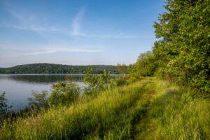 Hiking the Sunken Garden Trail in Moraine State Park