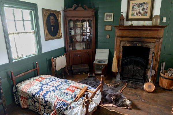 Bedroom in the Compass Inn in Laughlintown PA